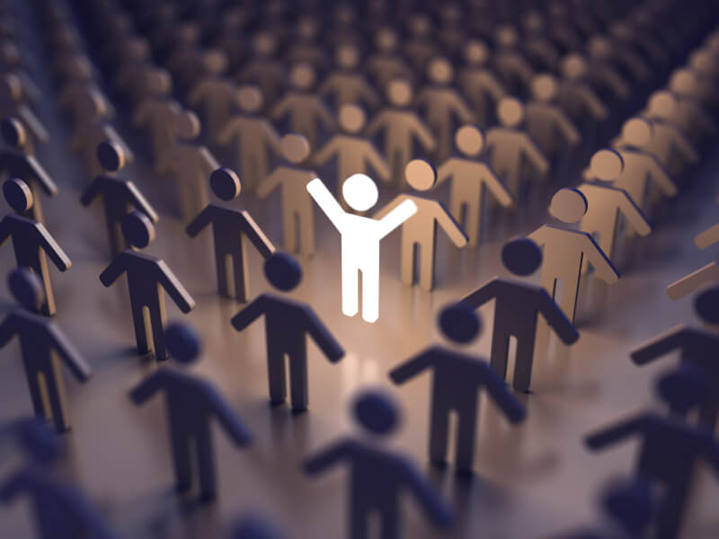 Tìm kiếm insights khách hàng